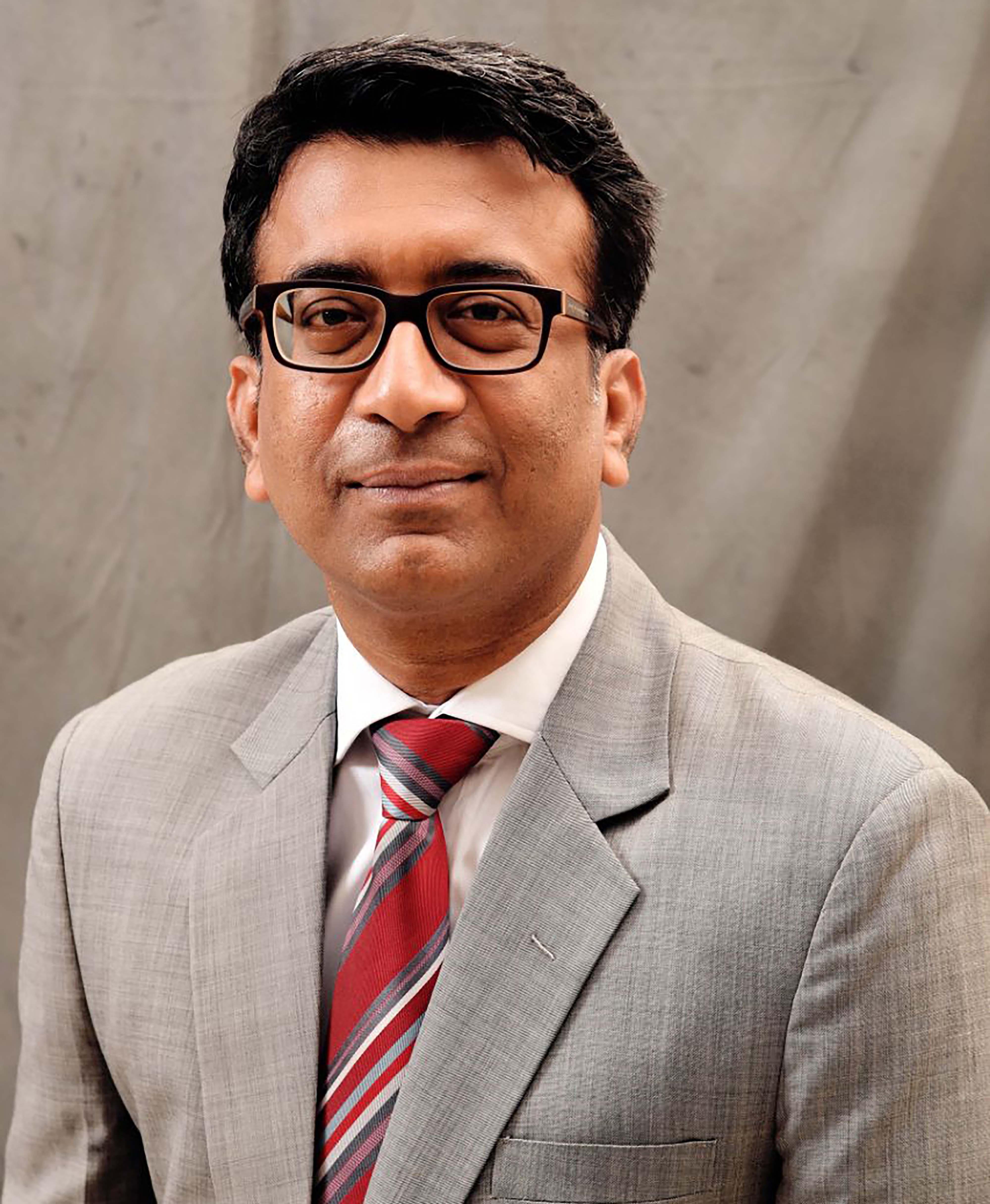 Mr Manish Raj Singhania